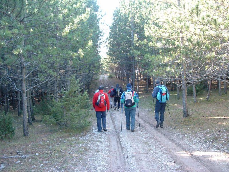 een groep wandelt in Umbrie
