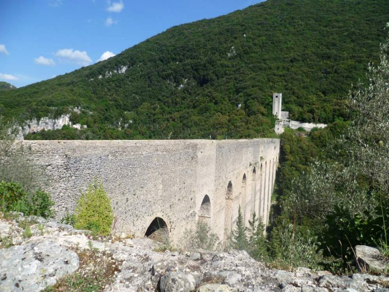ponte delle torri a spoleto