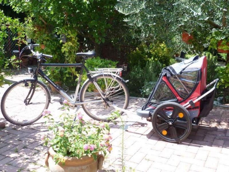 child trailer rental Umbria